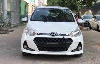 Bán xe Hyundai Grand i10 1.2 AT năm 2017, màu trắng chính chủ, giá 375tr giá 375 triệu tại Hà Nội