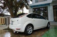 Bán Ford Focus 1.8AT đời 2011, màu trắng chính chủ, giá tốt giá 290 triệu tại Thanh Hóa