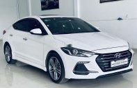 Cần bán xe Hyundai Elantra 2018, màu trắng giá 650 triệu tại Bình Dương