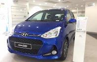 Cần bán Hyundai Grand i10 1.2AT đời 2019, màu xanh lam, giá tốt nhất hệ thống giá 382 triệu tại Hà Nội