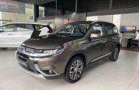 Cần bán Mitsubishi Outlander sản xuất năm 2019, màu nâu giá 808 triệu tại Đà Nẵng