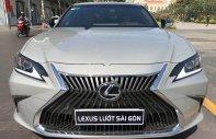 Bán Lexus ES 250 sản xuất năm 2019, xe nhập giá 2 tỷ 588 tr tại Tp.HCM