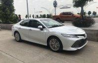 Cần bán gấp Toyota Camry 2.5Q AT đời 2020, màu trắng, nhập khẩu nguyên chiếc giá 1 tỷ 235 tr tại Quảng Ninh