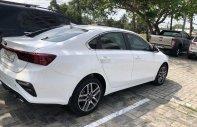 Cần bán gấp Kia Cerato sản xuất năm 2019, màu trắng xe gia đình, 640tr giá 640 triệu tại Đà Nẵng