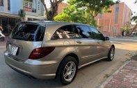 Merc R350, xe đẹp gia đình đang sử dụng chăm kĩ giá 460 triệu tại Tp.HCM
