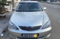 Cần bán xe Toyota Camry năm sản xuất 2005, màu bạc, nhập khẩu nguyên chiếc như mới giá 345 triệu tại Hà Nội