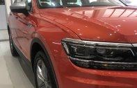 Cần bán xe Volkswagen Tiguan đời 2019, màu đỏ, nhập khẩu nguyên chiếc giá 1 tỷ 749 tr tại Tp.HCM
