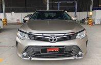 Toyota Đông Sài Gòn cần thanh lý chiếc Toyota Camry 2.5 Q đời 2016, màu vàng cát giá 880 triệu tại Tp.HCM
