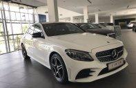 Cần bán gấp Mercedes C300 AMG 2019, màu trắng giá 1 tỷ 889 tr tại Tp.HCM
