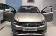 Bán xe Volkswagen Polo Sedan vàng cát - xe đẹp, màu độc, giá giảm sâu chỉ 599 triệu giá 615 triệu tại Quảng Ninh