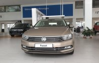 Volkswagen Passat GP, màu vàng, nhập khẩu, chương trình quà tặng hấp dẫn giá 1 tỷ 266 tr tại Quảng Ninh