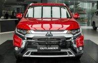 Cần bán Mitsubishi Outlander 2.0 CVT Premium đời 2020, màu đỏ giá 950 triệu tại Nghệ An