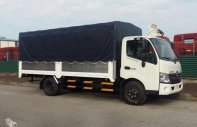 Xe tải Hino XZU720L 3.5 tấn, thùng bạt, miễn phí trước bạ giá 705 triệu tại Bình Dương