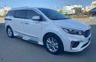 Bán xe Sedona DATH máy dầu, số AT màu trắng 2019 giá 1 tỷ tại Tp.HCM