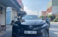 Bán xe Camry 2.5Q nhập Thái sx 2020 lướt 3.000km giá 1 tỷ 220 tr tại Tp.HCM